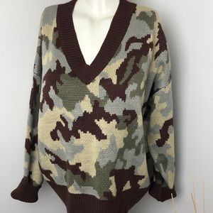 DEBUT • Camo Oversized Knit Sweater • Size M/L